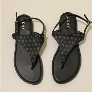 DKNY t strap ankle sandals size 9.5 black shoes